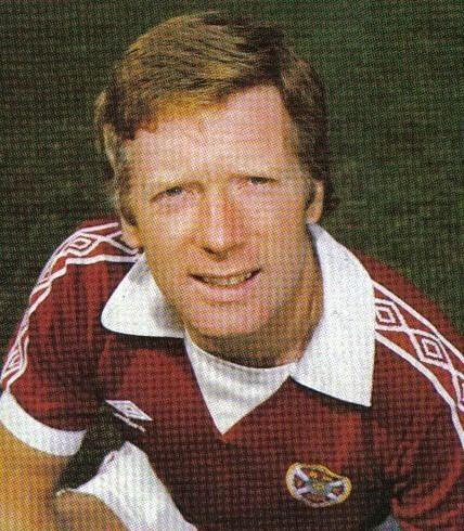 Alex MacDonald (footballer, born 1948) wwwlondonheartscomimagesiancimagesAlex20Mac