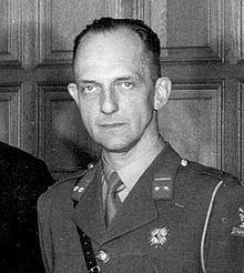 Alexander Fievez httpsuploadwikimediaorgwikipediacommonsthu