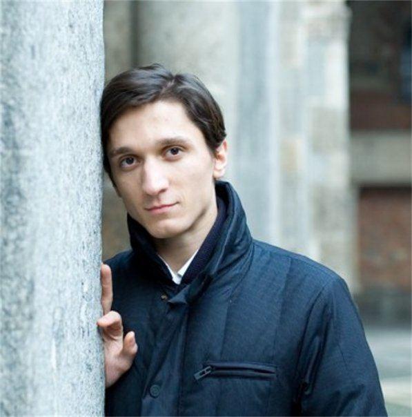 Alexander Romanovsky (pianist) Alexander Romanovsky Piano Short Biography