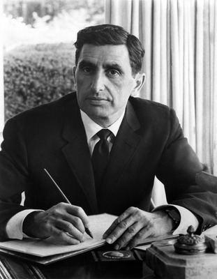 Alexander Schure Alexander Schure Chancellor Nova University 19701985