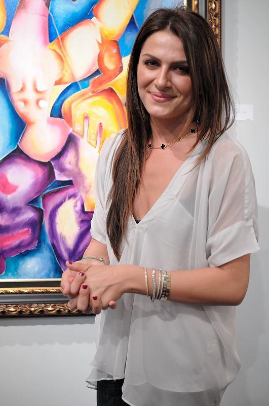 Alexandra Nechita httpsuploadwikimediaorgwikipediacommons11