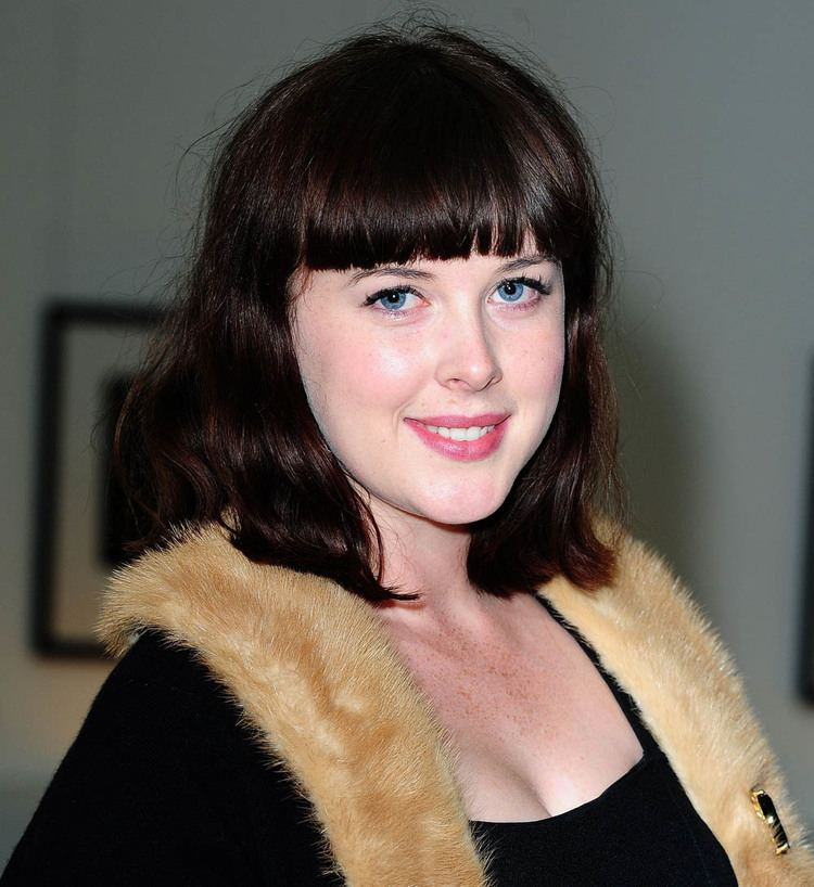 Alexandra Roach assetswhatsontvcoukwhatsontvliveimages2014