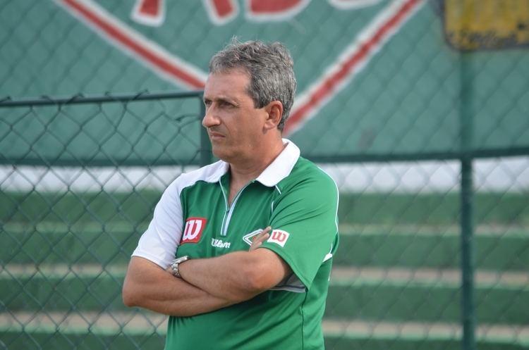 Alexandre Barroso Alexandre Barroso comemora derrota do Botafogo mas mantm