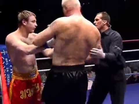 Alexey Ignashov Alexey Ignashov vs Semmy Schilt 20 05 2004 mp4 YouTube