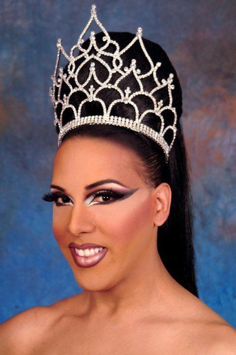 Alexis Mateo Alexis Mateo my daughter saw this pic and said quotlook