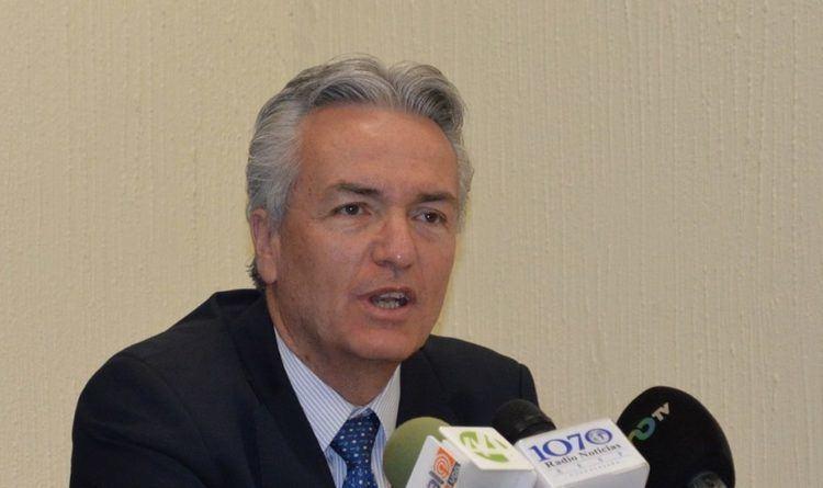 Alfonso Petersen PETERSEN DICE TENER 9 MDP DE PATRIMONIO RIE CON ALFARO