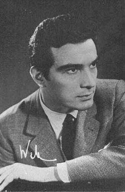 Alfredo Alcón httpsuploadwikimediaorgwikipediacommonsthu