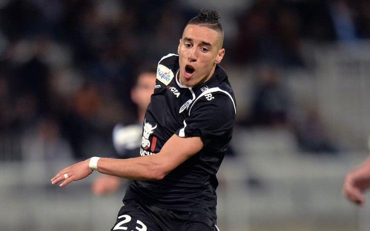 Alharbi El Jadeyaoui Arsenal transfer news Arsenal give trial to Angers star