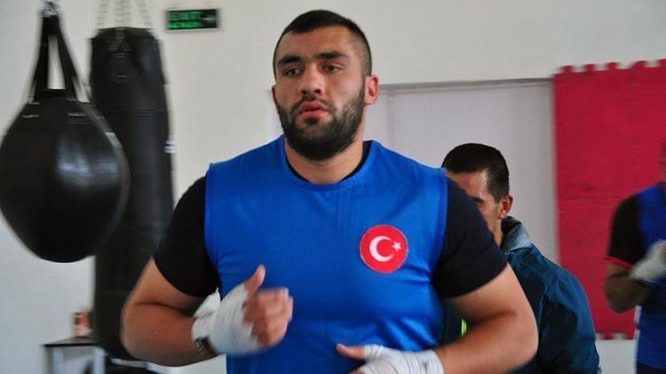 Ali Eren Demirezen Milli boksr Ali Eren Demirezen olimpiyatlara veda etti