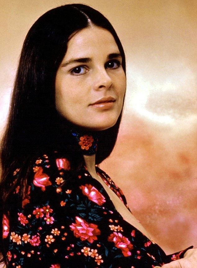 Ali MacGraw Ali MacGraw 75 opens up to Oprah about letting her hair