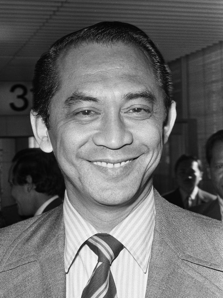 Ali Sadikin httpsuploadwikimediaorgwikipediacommonsff