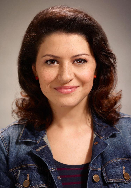 Alia Shawkat Alia Shawkat Talks ARRESTED DEVELOPMENT Season 4