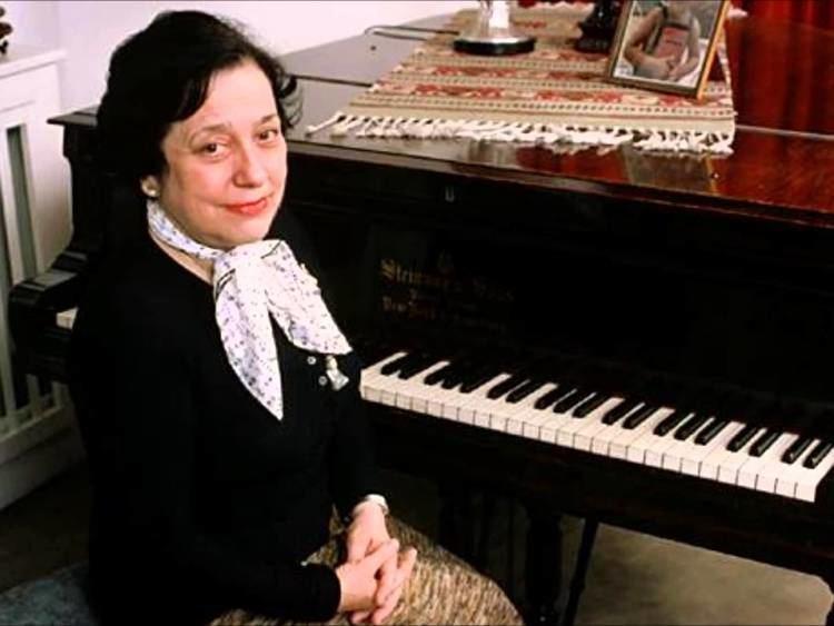 Alicia de Larrocha Khachaturian quotPiano Concertoquot Alicia de Larrocha YouTube