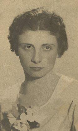 Alicia Lourteig httpsuploadwikimediaorgwikipediacommonsthu