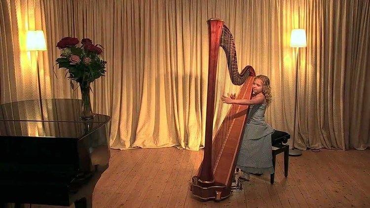 Alisa Sadikova A Hasselmans Fileuse Alisa Sadikova 9 years old harpist YouTube