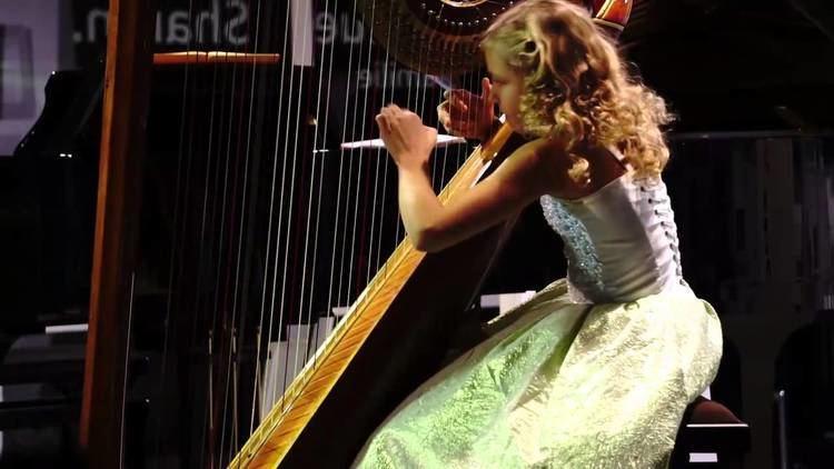 Alisa Sadikova Pescetti Sonata in cmoll Alisa Sadikova 12 years old harpist