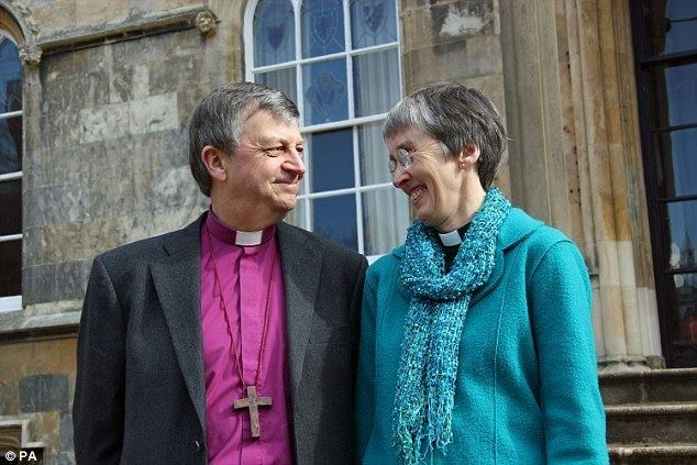 Alison White Hull couple Frank and Alison White become first husband