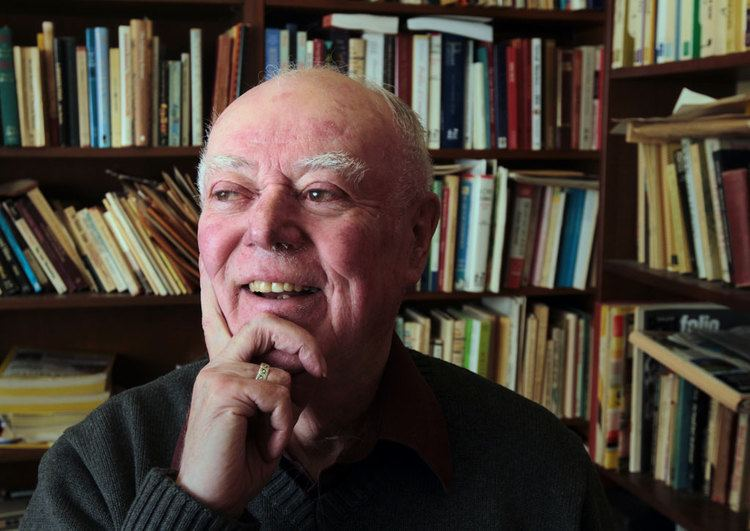 alistair macleod biography