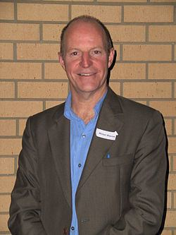 Alistair Macrae httpsuploadwikimediaorgwikipediaenthumb0