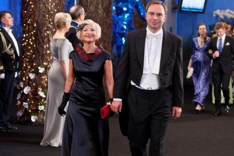 Allan Martinson Hissa pulmad Karoli Hindriks ja Allan Martinson abiellusid Publik