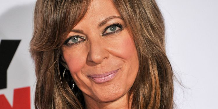 Allison Janney The Tragedy That Made 39Mom39 Personal For Allison Janney