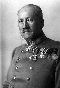 Alois Schönburg-Hartenstein httpsuploadwikimediaorgwikipediahrthumbd