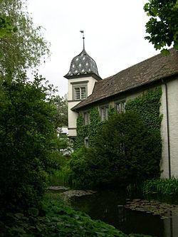 Altes Schloss Bümpliz httpsuploadwikimediaorgwikipediacommonsthu