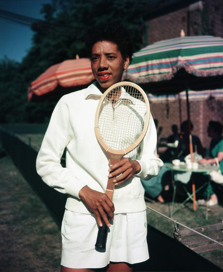 Althea Gibson tennisplayeraltheagibson Women in Sports Pictures Womens