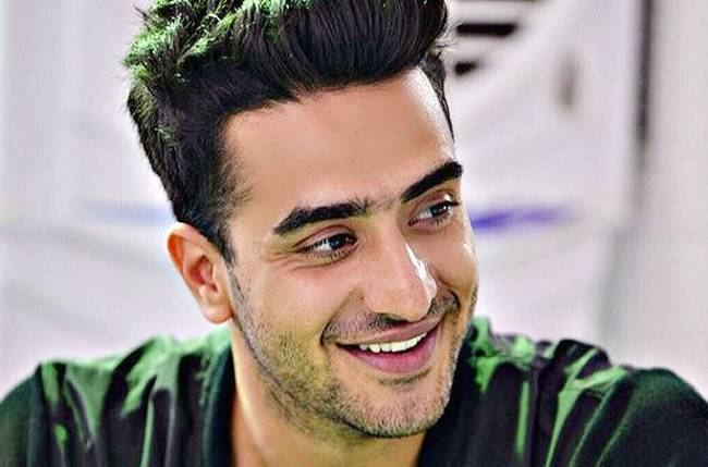 Aly Goni Team YHM showers blessing on birthday Boy Aly Goni