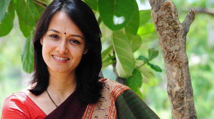 Amala (actress) Nagarjuna39s wife Amala Akkineni roped in for cameo in