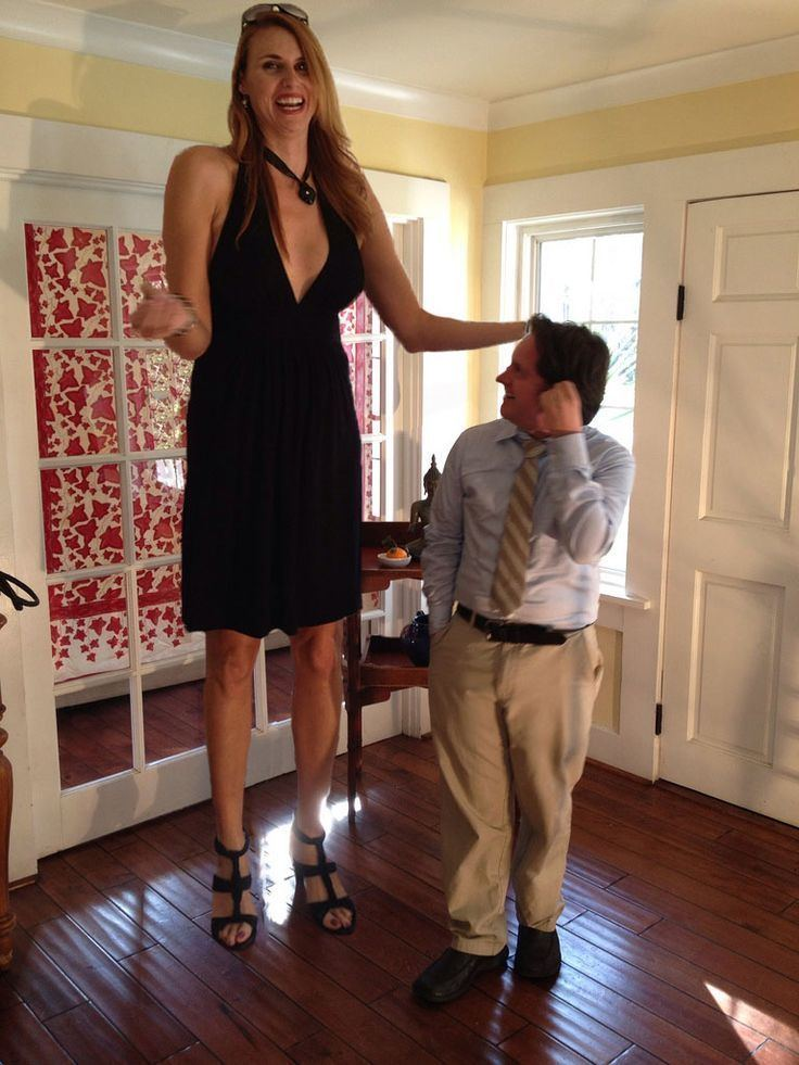 Extremely Tall Women Porn
