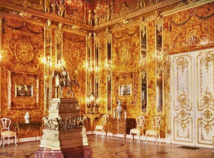Amber Room Polish Museum Claims to Have Located the Elusive Amber Room that Was