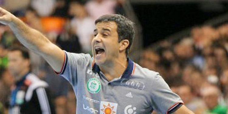 Ambros Martín Women39s Handball Ambros Martin the new coach of Romania The