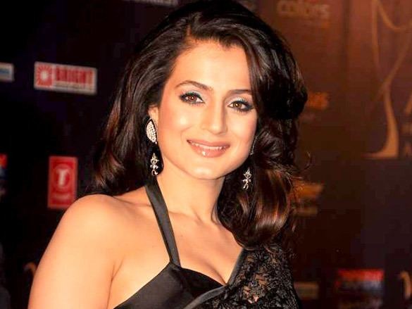 Ameesha Patel httpsuploadwikimediaorgwikipediacommons44