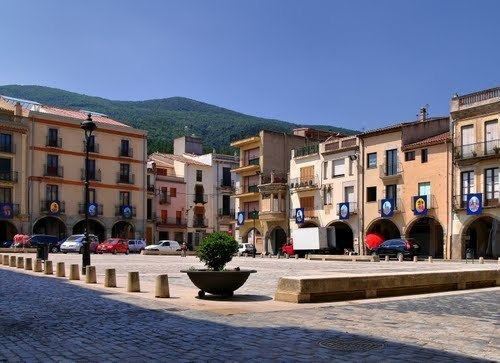 Amer, Girona httpsmw2googlecommwpanoramiophotosmedium
