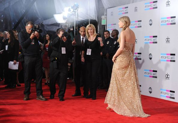 American Music Awards of 2011 Taylor Swift Photos Photos 2011 American Music Awards Arrivals