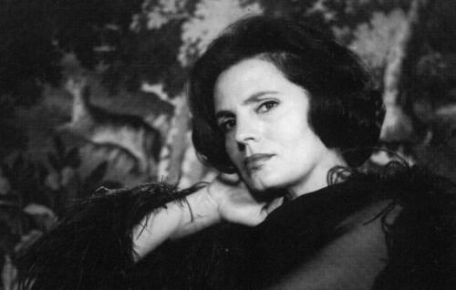 Amália Rodrigues 1000 images about Amlia Rodrigues on Pinterest Famous singers