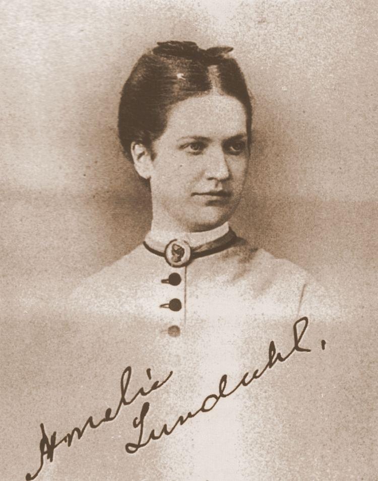 Amelie Helga Lundahl