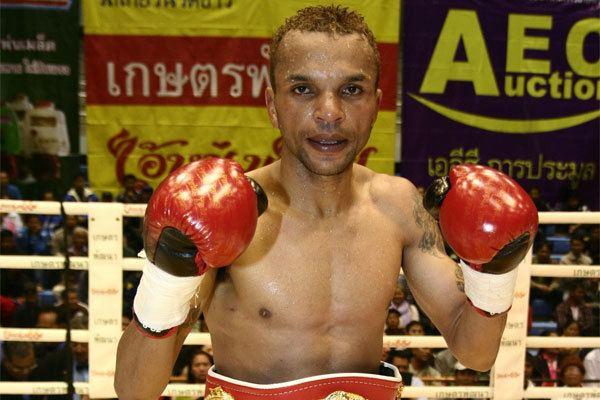 Amnat Ruenroeng Amnat Ruenroeng Boxer Boxing news BOXNEWScomua