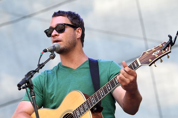 Amos Lee A photo of Amos Lee by Gary Miller MTV