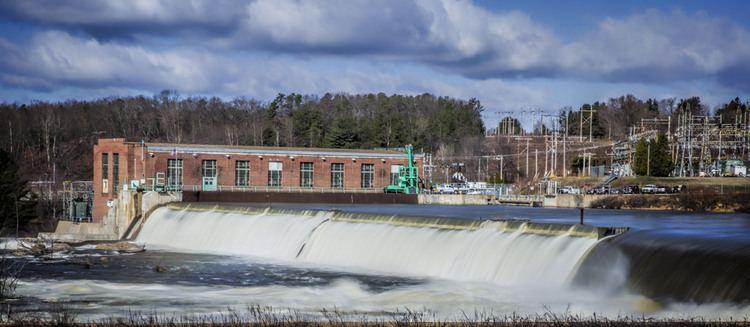 Amoskeag Falls Amoskeag Falls Dam Manchester New Hampshire April 15 20 Joe