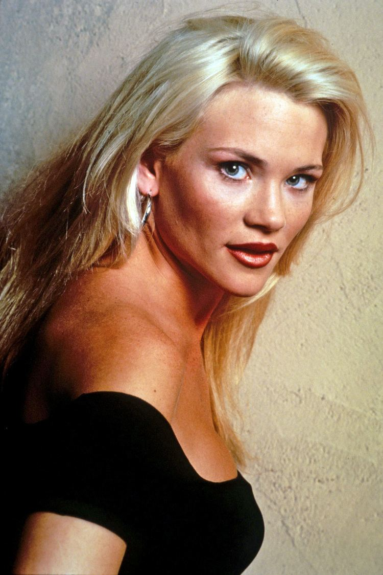 Amy Locane 21 Amy Locane Pictures ImgHD Browse and Download Free