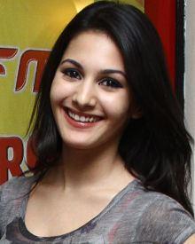 Amyra Dastur wwwfilmibeatcomimgpopcornprofilephotosamyra