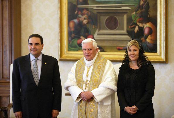 Ana Ligia Mixco Sol de Saca Ana Ligia Mixco Sol de Saca Photos Photos Pope Meets President of