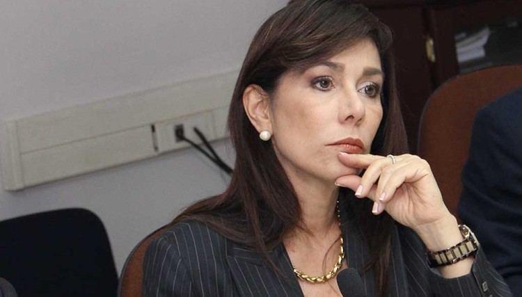 Ana Vilma de Escobar Sala declara improcedente demanda de diputada Ana Vilma de