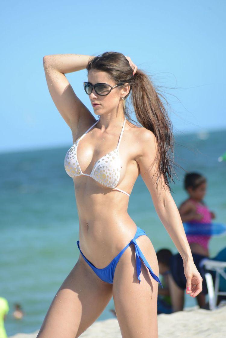 Anais Zanotti ANAIS ZANOTTI in Bikini on the Beach in Miami HawtCelebs