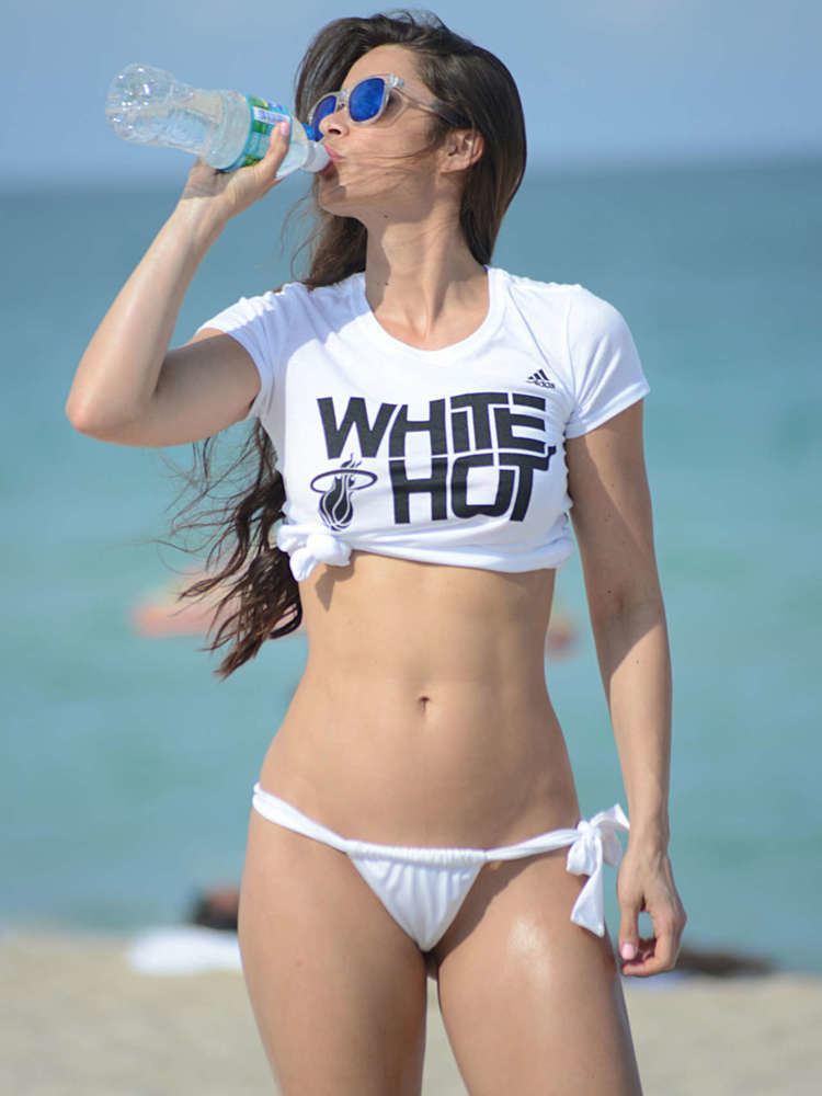 Anais Zanotti Anais Zanotti Bikini in Miami GotCeleb