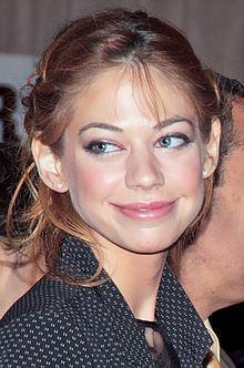 Analeigh Tipton httpsuploadwikimediaorgwikipediacommonsthu