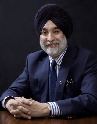 Analjit Singh Analjit Singh gets Golden Peacock Award for personal