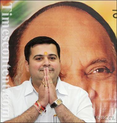 Anand Paranjpe Anand Paranjpe News Photo Anand Paranjpe Shiv Sena MP f